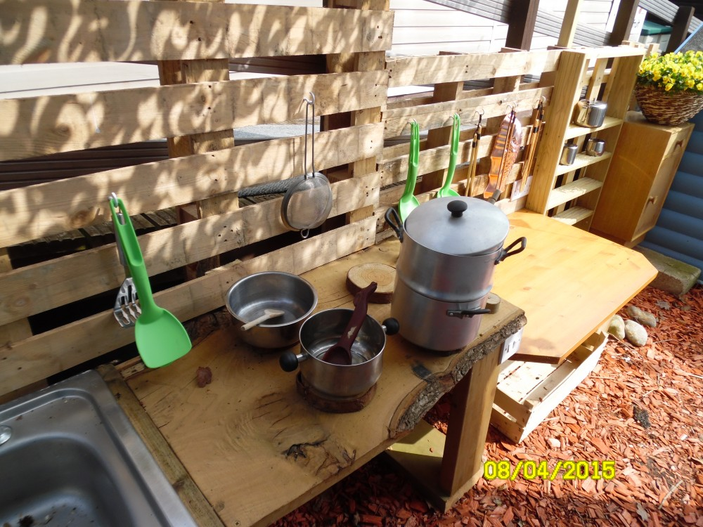 Mud Kitchen 2015